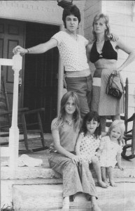 amily-linda-mccartney-14059360-391-607