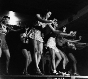 Chorus Girls Rehearsing at the Apollo Theater