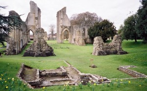 Glastonbury 10 abbey wide view 2